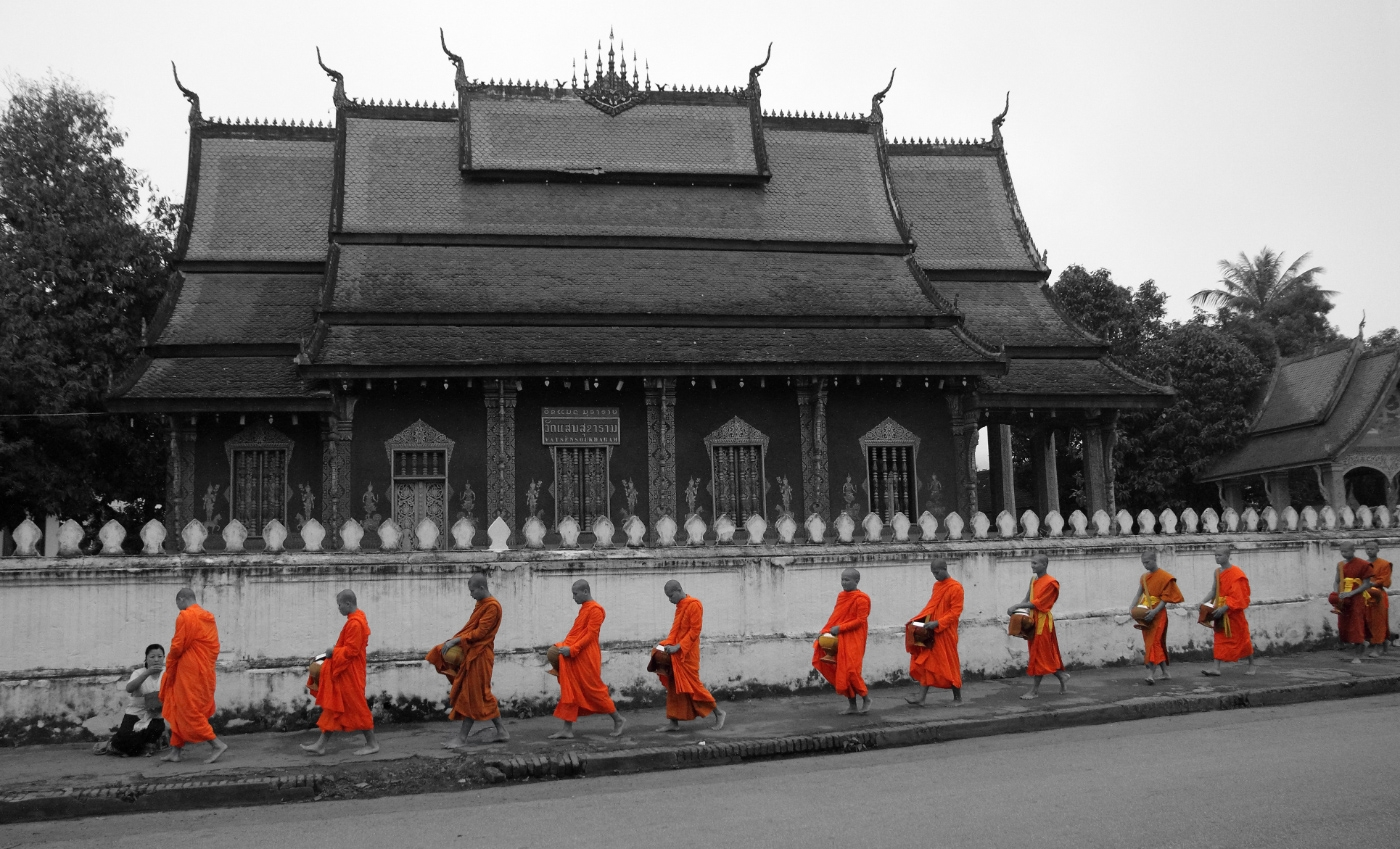 monks-at-Luang-Prabang-1400x849