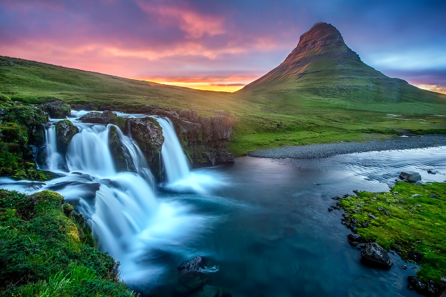 iceland-midsummer-fall